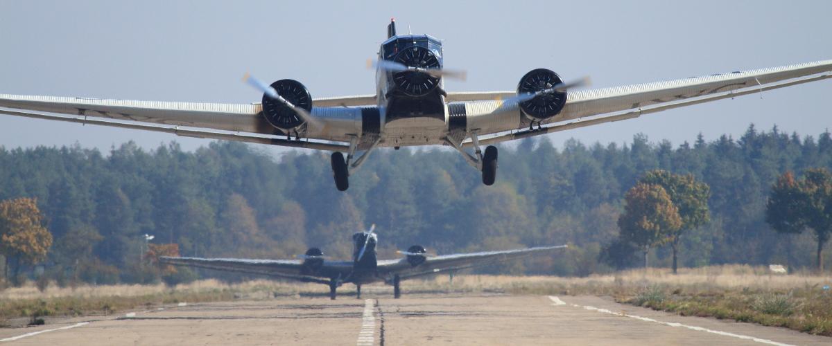 Ju 52 in Schleißheim bei herrlichem Herbstwetter