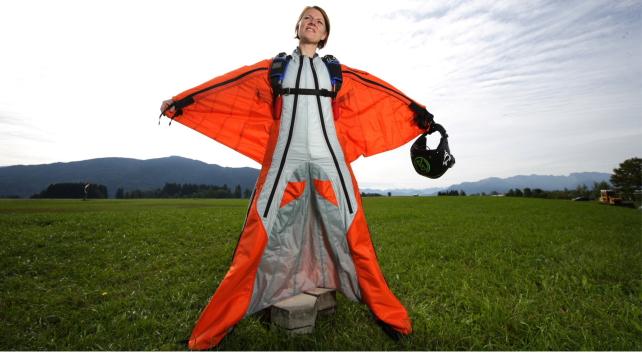 Wingsuit_500