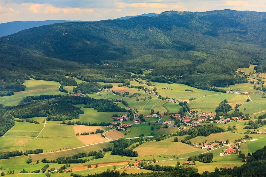 kaitersberg im bayerischen wald im luftbild