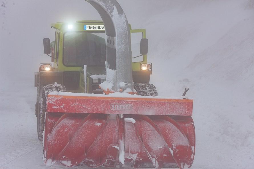 wetterbericht mit schneefall ist in den hoehenlagen des bayerischen waldes zu rechnen